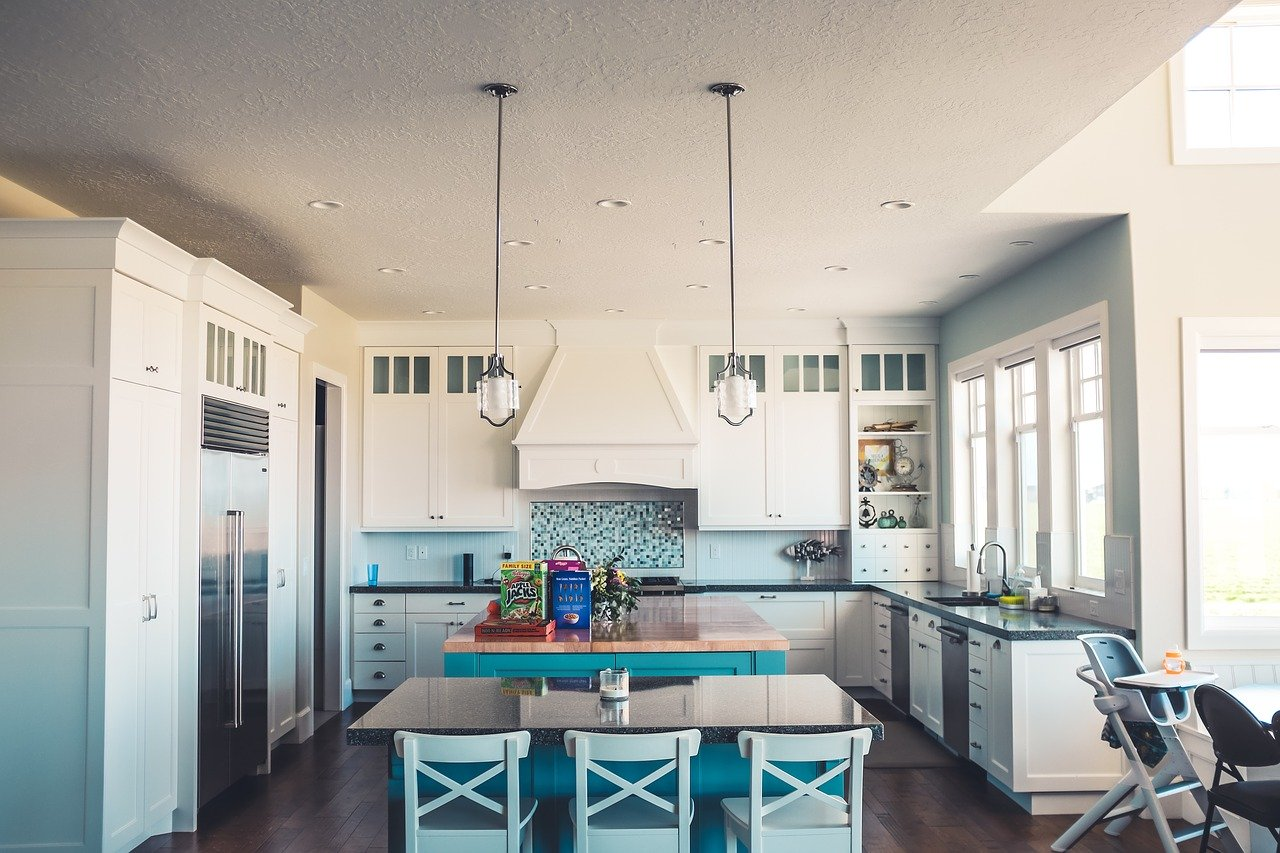 How to Enliven White Kitchen? 7 Interesting Ideas