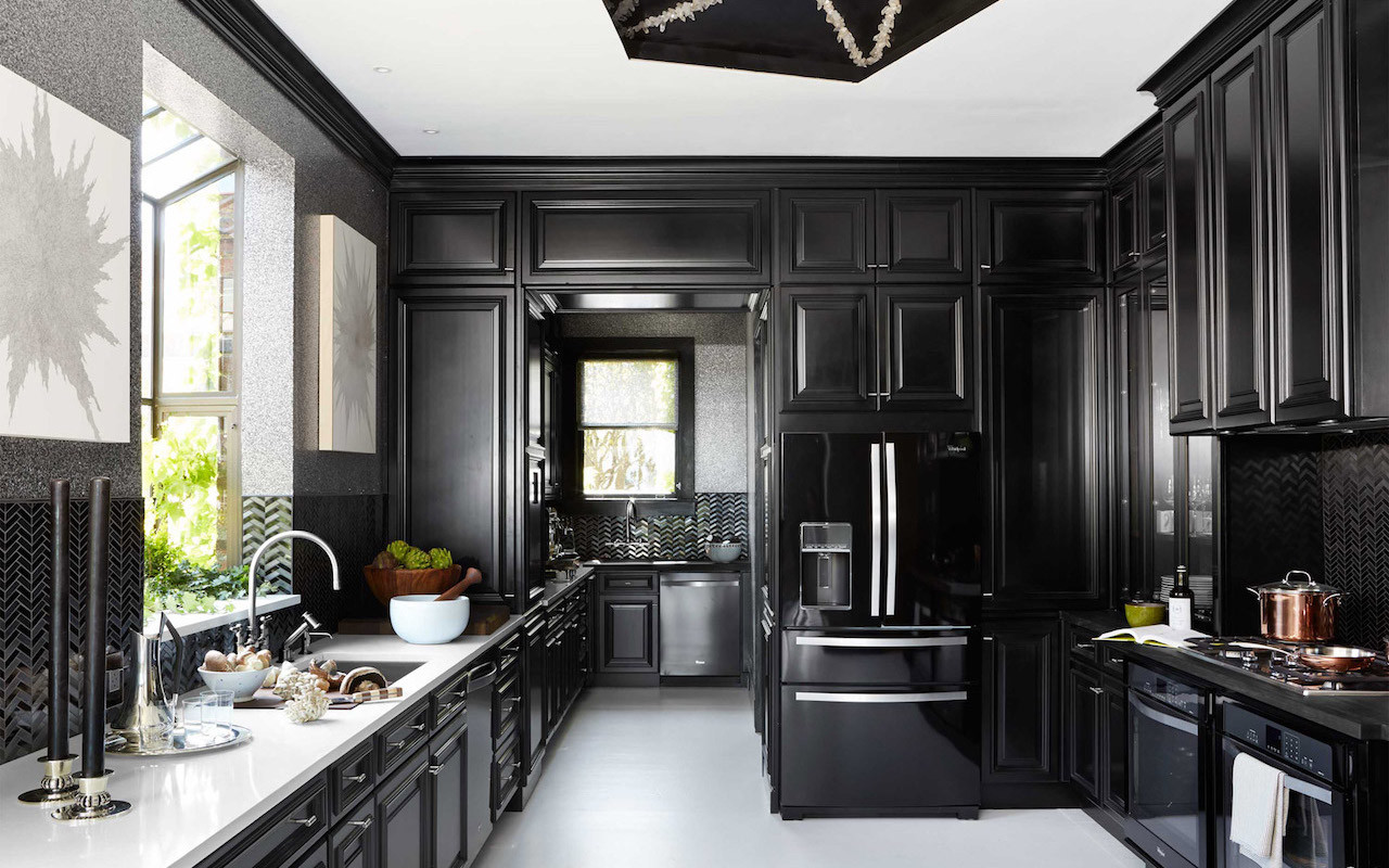 Black kitchen bright accessories