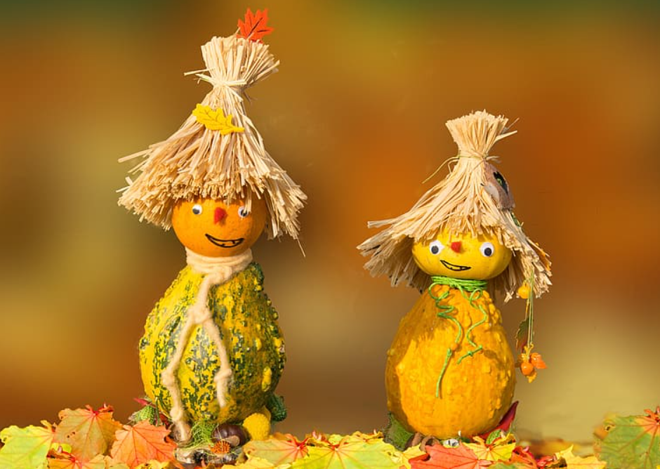 Fall decorations - figurines made from pumpkins and fruits