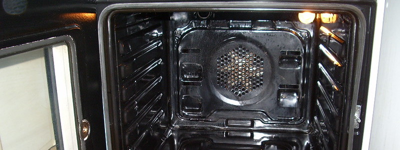 Oven cleaners for light stains