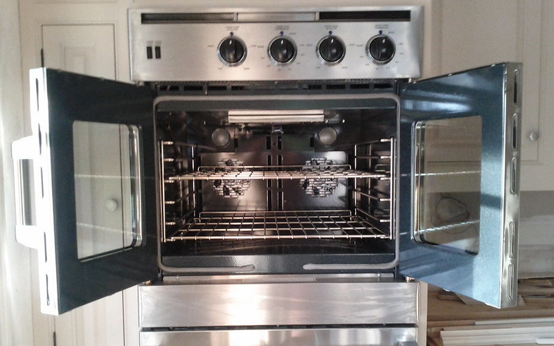 How to clean an oven? The best oven cleaners and home remedies