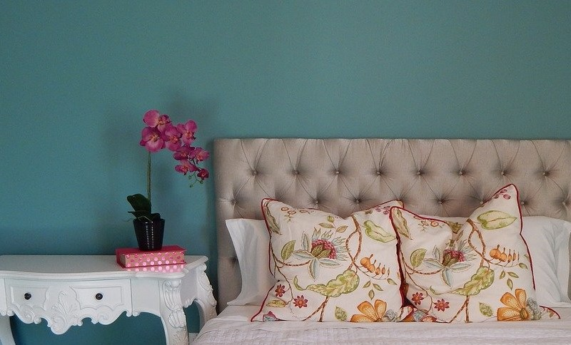 What wall paint colors set you in a positive mood?