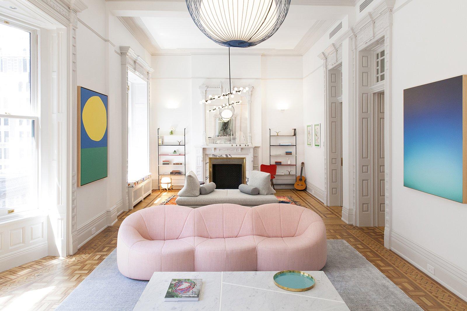 Слоновая кость и красочные аксессуары в домашних условиях