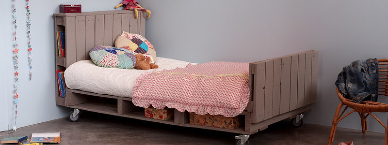 DIY pallet bed - step by step