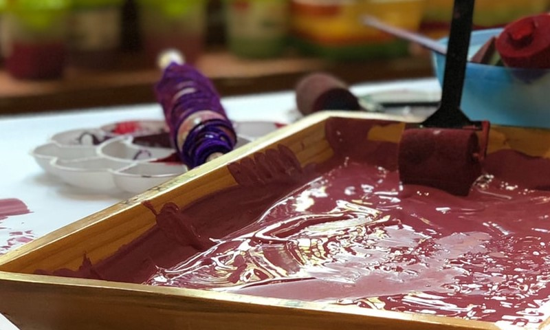 Acrylic paint – give new life to your old furniture