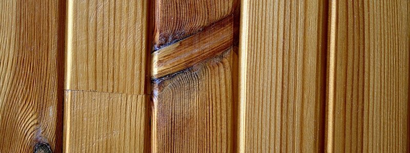 Choosing the right paint for wood paneling