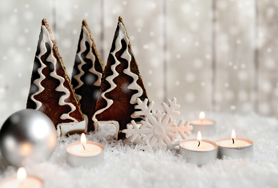 Christmas Ornaments - 10 Christmas Decorating Ideas