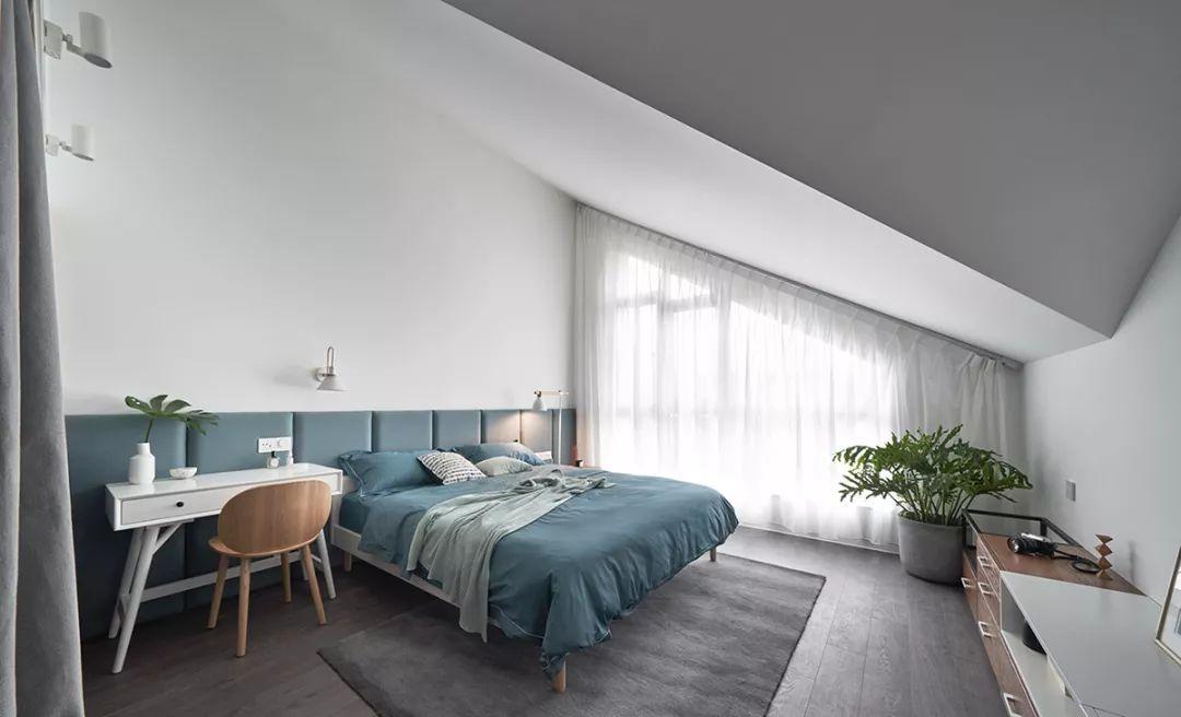 Мягкие панели - планка за кроватью