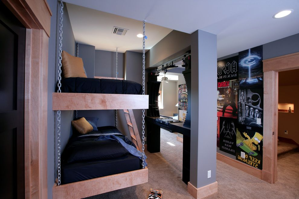 Boys' bedroom - hanging bed