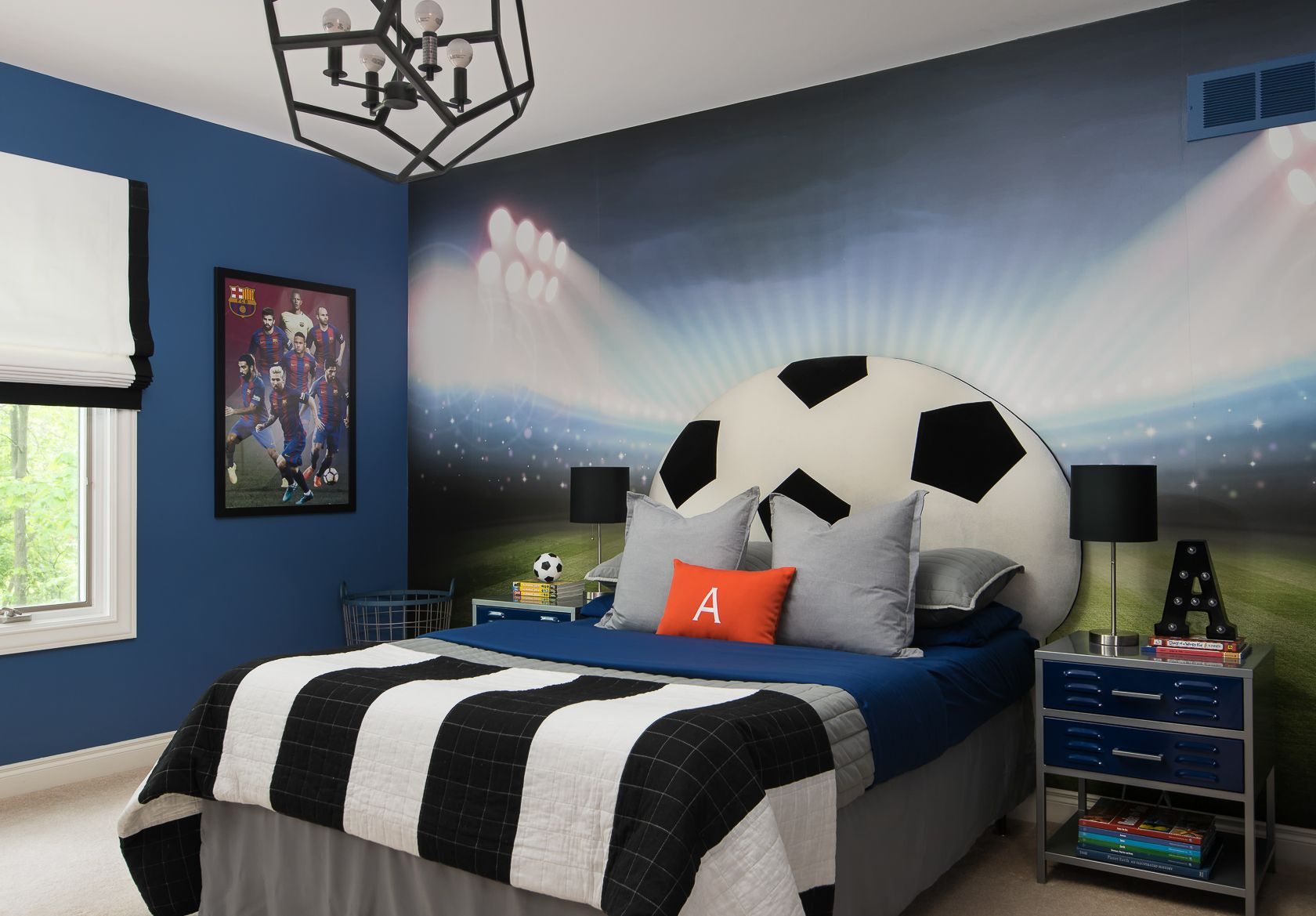 Boy bedroom decor with main theme