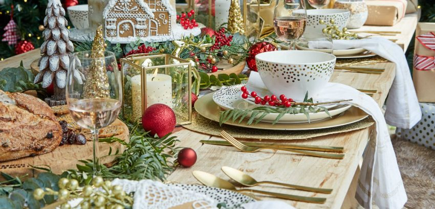 Christmas table decor - gold, red and plants