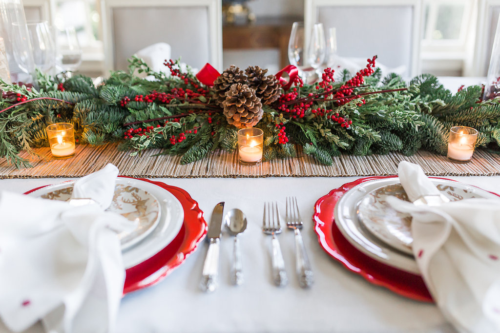 Beautiful Christmas Table Decorations. 11 Christmas Table Ideas