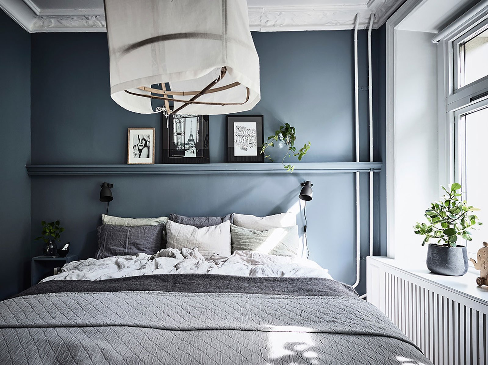 Scandinavian bedroom - shades of grey