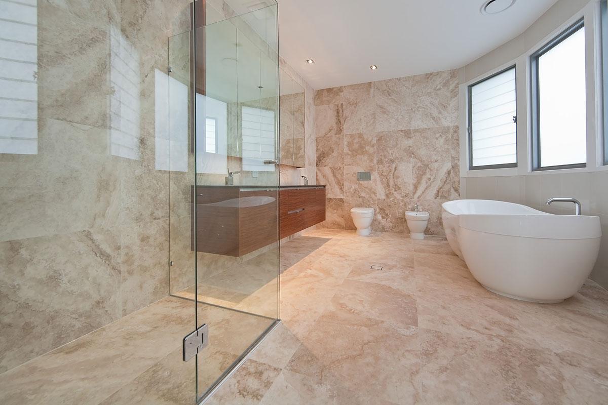 Ванная - идеальное помещение для травертина